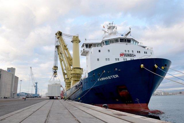 El Puerto de Tarragona exporta 'project cargo'