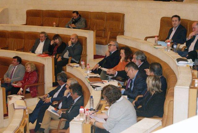 Ordóñez,  sentada entre los diputados del PRC, después del regreso de Blanco
