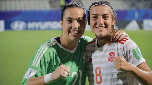 Patri Guijarro y Cata Coll en el Mundial de Futbol Sub-20