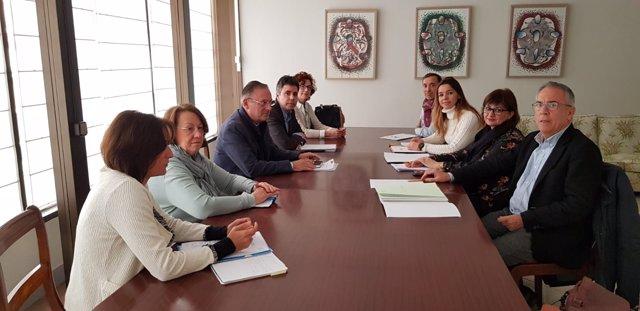 Reunión entre representantes de la Conselleria y el Ministerio