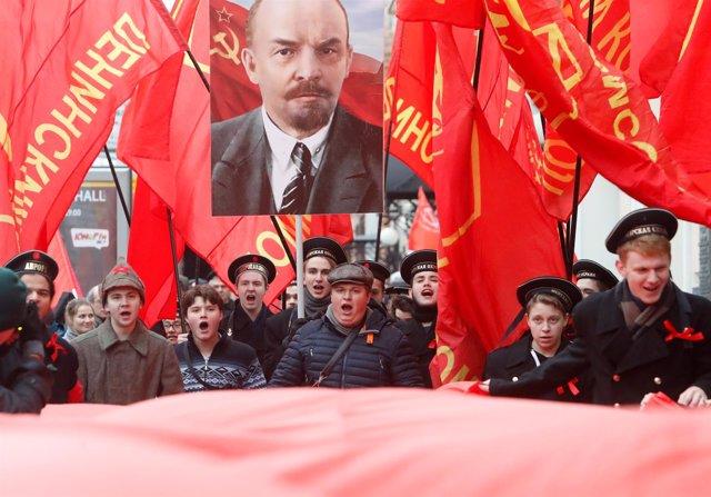 Participantes en un acto del Partido Comunista de Rusia en Moscú en 2017