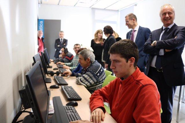 Nuevas salas de informática de la Associació Alba