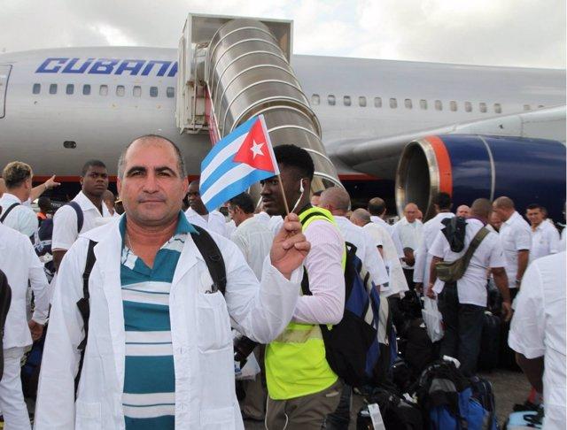 Médicos cubanos en Sierra Leona para luchar contra el ébola