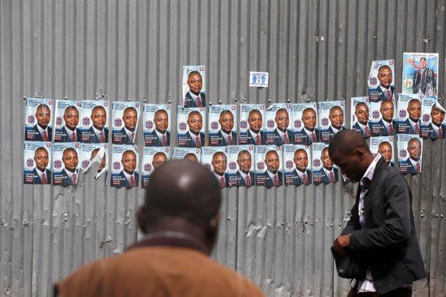 Carteles electorales de Emmanuel Ramazani Shadary en Kinshasa