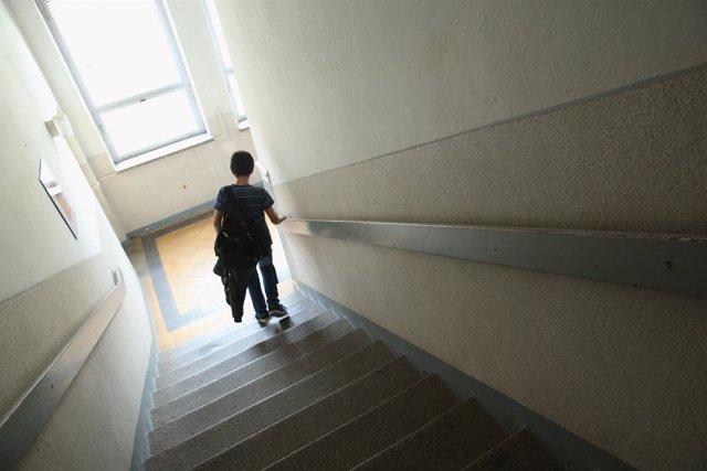 Niño en un colegio
