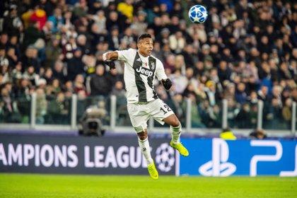 El brasileño Alex Sandro renueva con la Juventus hasta 2023