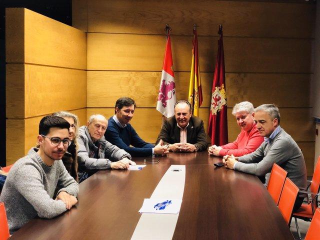 Comité electoral del PP de León reunido este viernes.
