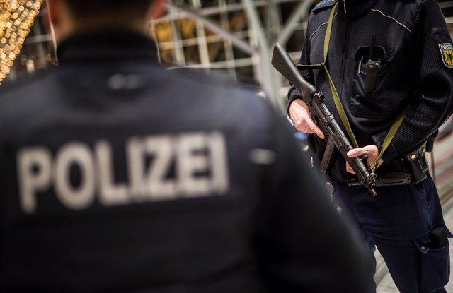 Despliegue policial en el aeropuerto de Stuttgart