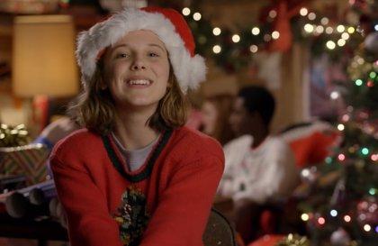 """VÍDEO: Los niños de Stranger Things celebran la Navidad envolviendo regalos para sus """"superfans"""""""