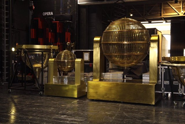 Bombos de la Lotería en Teatro Real