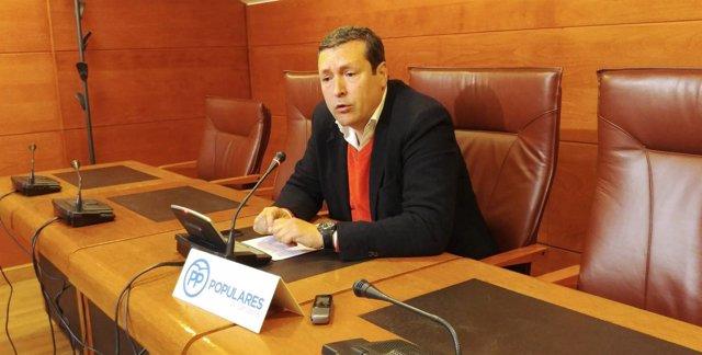Íñigo Fernández, portavoz del PP de Cantabria y diputado