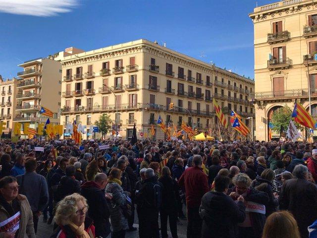 Manifestación convocada por Òmnium Cultural en Barcelona