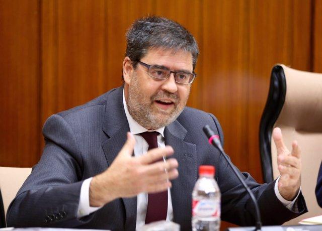 El presidente de la Cámara de Cuentas, Antonio López, en comisión parlamentaria