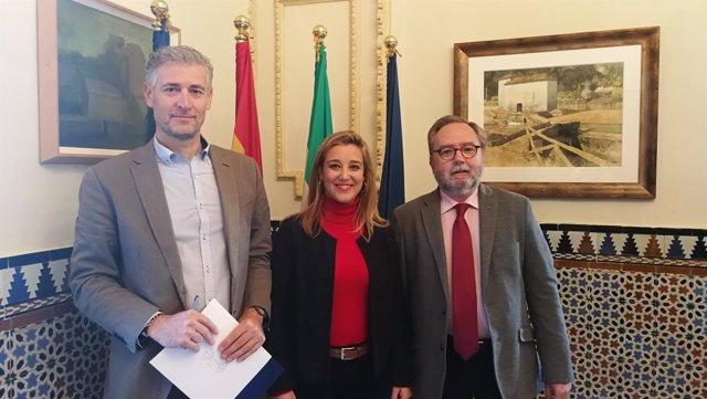 Ayuntamiento de Alcalá de Guadaíra firma un convenio con Cáritas