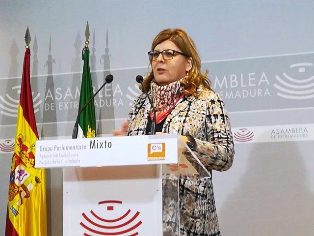 María Victoria Domínguez en rueda de prensa este viernes en Mérida