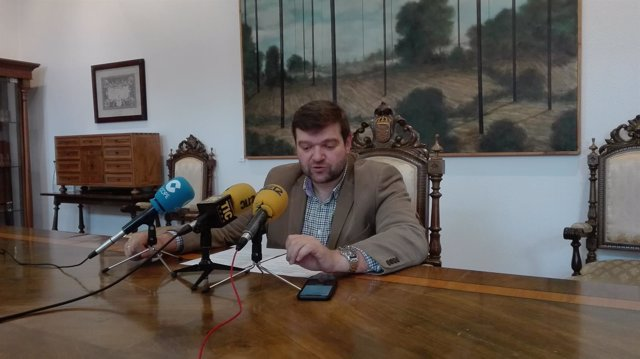 Rueda de prensa del portavoz de la Diputación de Lugo, Álvaro Santos
