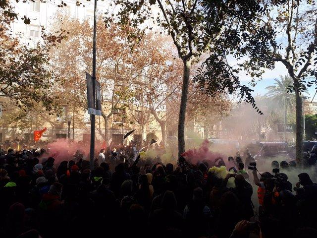 Protestas en las Drassanes de Barcelona
