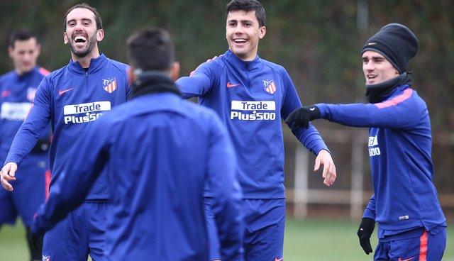 Godín, Rodrigo y Griezmann (Atlético)