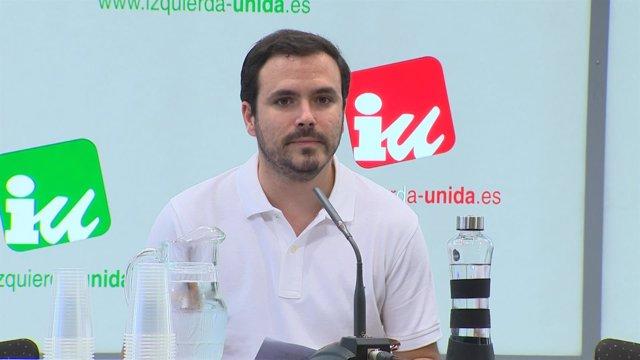 Alberto Garzón en rueda de prensa
