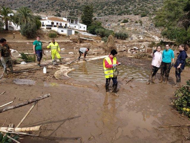 Tareas de limpieza de los daños provocado por las lluvias