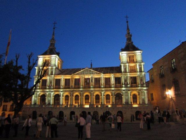 Ayuntamiento Toledo,fachada,turismo, edificio,turistas, monumento