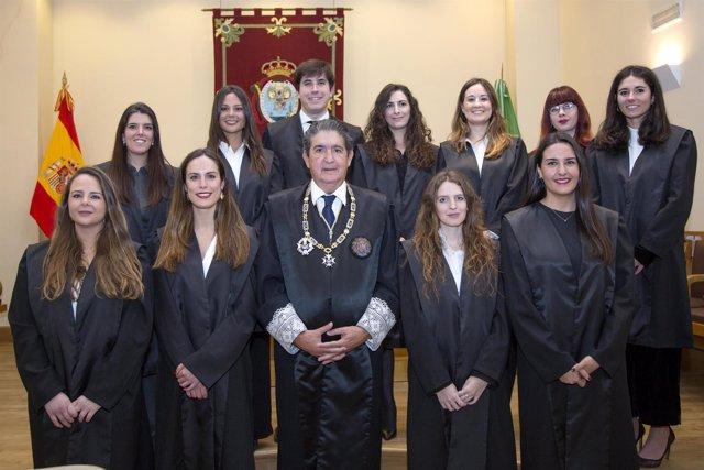 Gallardo preside el solemne acto de jura de nuevos letrados en el Colegio