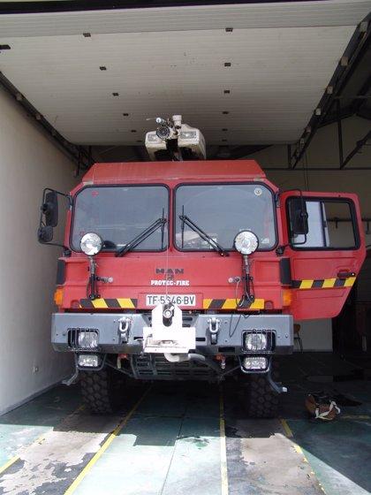 Aena donará dos vehículos del Servicio de Extinción de Incendios al Cabildo de La Gomera y al Ayuntamiento de Alajeró