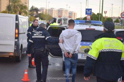 Detenidos tres jóvenes en la Ronda del Tamarguillo de Sevilla tras una persecución policial en coche