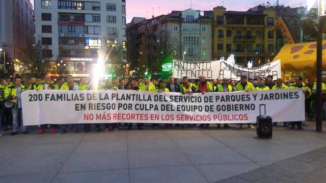 Concentración plantilla parques y jardines de Santander
