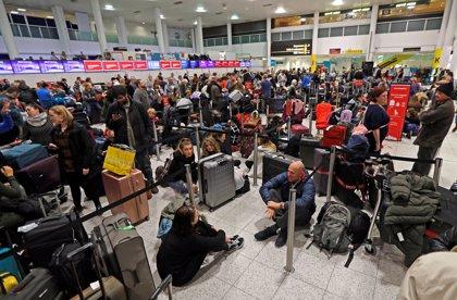 Gatwick suspende de nuevo sus vuelos por la amenaza de otro 'drone'