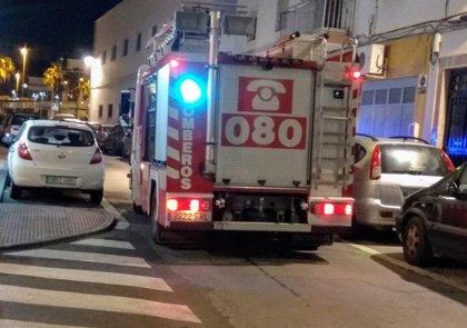 Herido un operario tras caer desde tres metros de altura en Almería capital