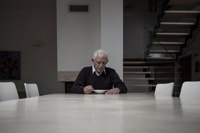 Anciano, falta de apetito