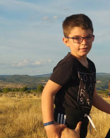 La historia de Samuel (7 años): así es vivir con una enfermedad ultrarrara que solo tiene 2 casos diagnosticados