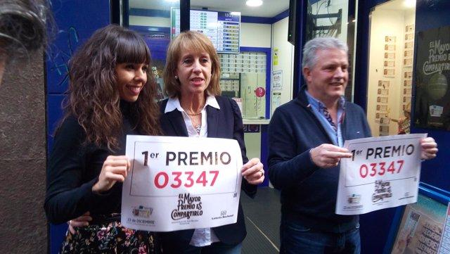 Celebración por la venta de un décimo de 'El Gordo' en Pamplona