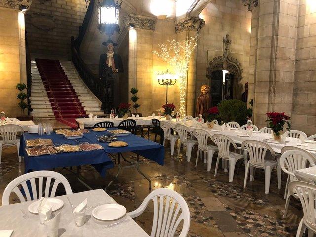 Cena solidaria en Cort
