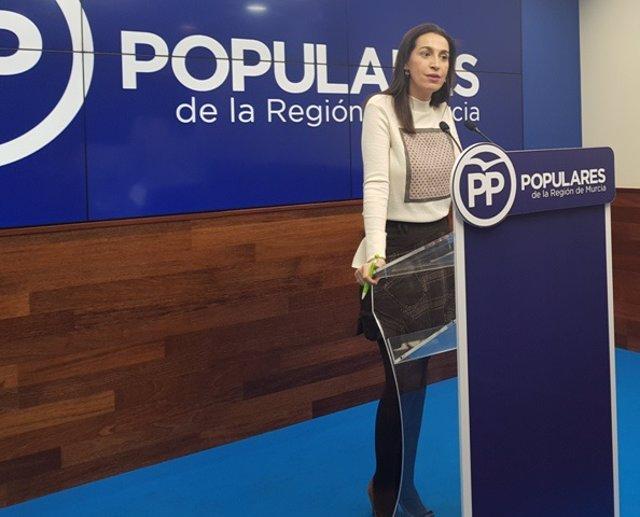 Nuria Fuentes, portavoz del PP de la Región de Murcia, en rueda de prensa