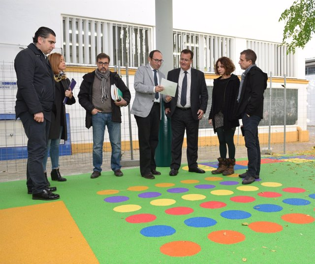 Visita de Juan Carlos Cabrera al CEIP 'Huerta de Santa Marina' de Sevilla
