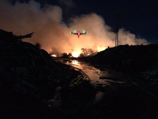 Uno de los drones en el incendio de Sollana