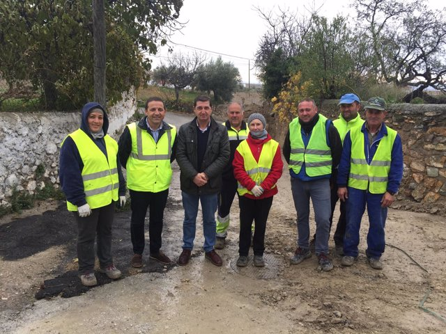 Guillermo Casquet ha visitado las obras del PFEA en el municipio de Oria.
