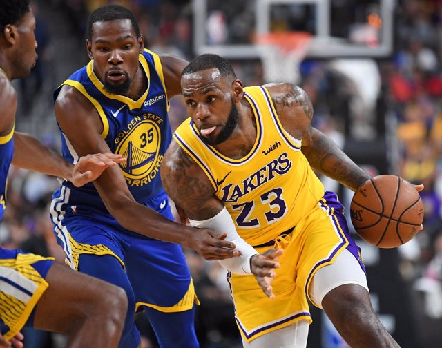 LeBron James (Los Angeles Lakers) contra Kevin Durant (Golden State Warriors)