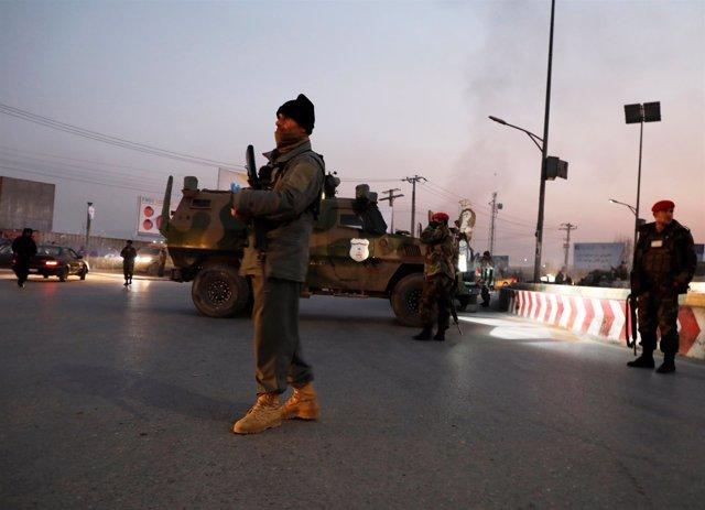 Despliegue de las fuerzas de seguridad tras un ataque en Kabul