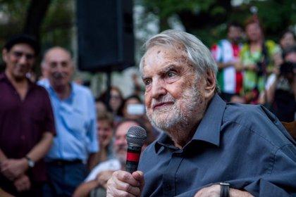 Fallece el escritor y periodista argentino Osvaldo Bayer a los 91 años