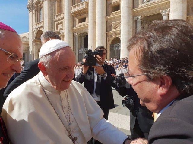 El Papa recibe a Fernández Vara en audiencia