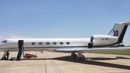 Cómo es el avión privado de Leo Messi