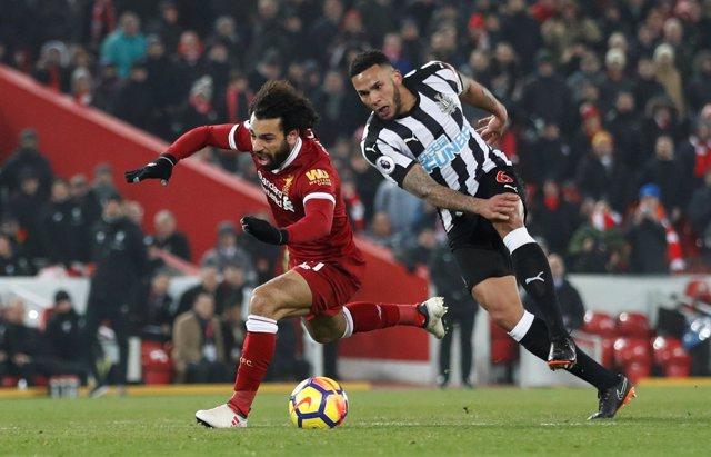 Salah del Liverpool ante el Newcastle United en Anfield
