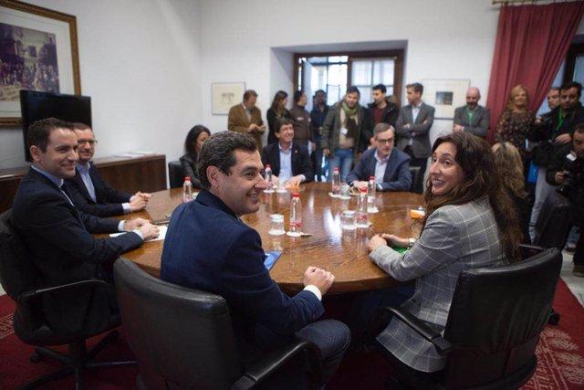 Reunión de la comisión entre PP y Cs