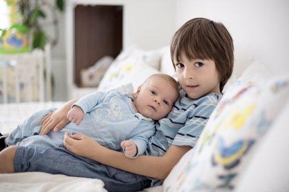 Hermanos: cuando se llevan muchos años