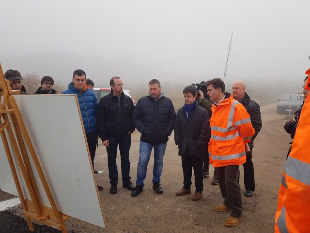 Soro ha visitado hoy las obras de mejora en la carretera de Apiés