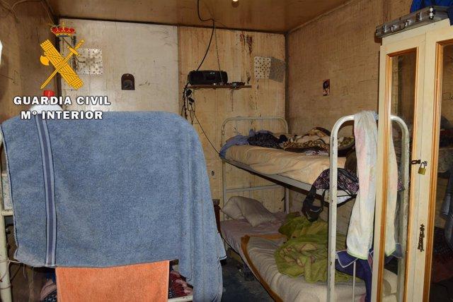 Contenedores donde vivían hacinados los trabajadores