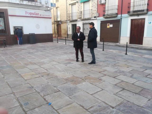 Visita a la adecuación de la calle Santa María de Torreperogil.